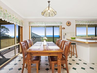 Coastal Retreat /42 Anembo Crescent Kiama Heights