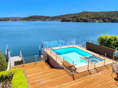 Sunning Deep waterfront with your own private jetty