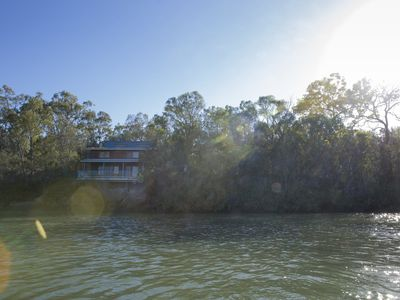 Burrum River Boat House - Pacific Haven