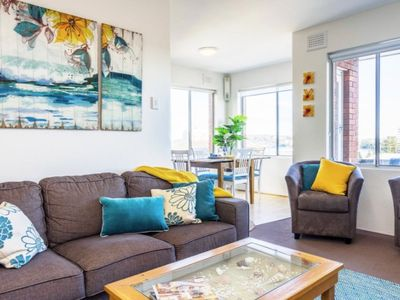 Manly Beach Pad has a great location & beautiful views over the beach & ocean.