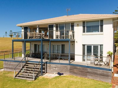 PENZANCE, Gerroa: Absolute beachfront to Shelley Beach