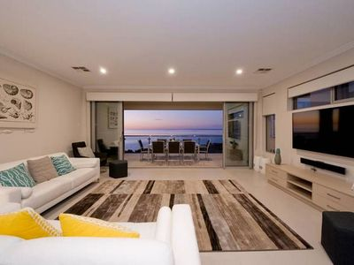 Outdoor living - enjoy the calming sea vista from the balcony