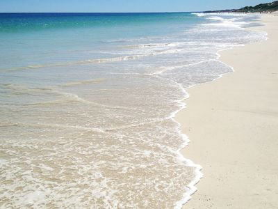 Pristine Mullaloo Beach - 400 metres from the door