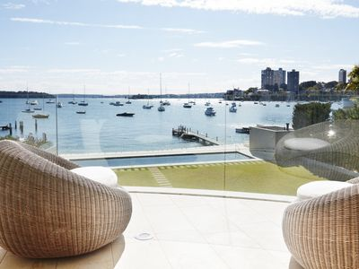 HARBOUR SIDE LUXE - Contemporary Hotels