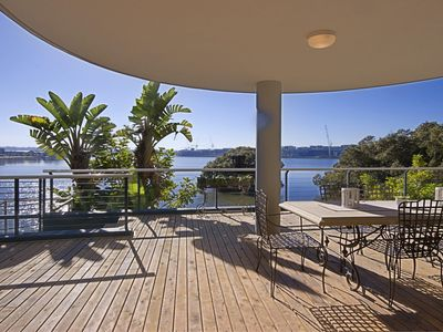 Breaker Bay - Waterfront Luxury