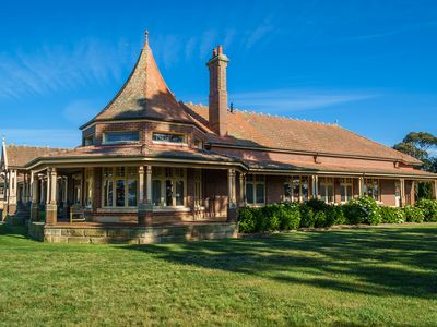 Stanhope Bowral is a beautiful federation home exuding luxury & vast gardens