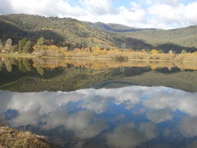 Mt Beauty township over the pondage.