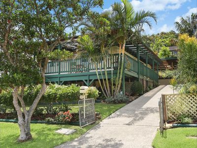 Peaceful Australiana 3 bedroom cottage with yard. 3 minute walk to Bulli beach.