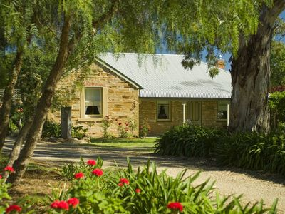 Unwind @ Evelyn Homestead - Port Willunga Cottages