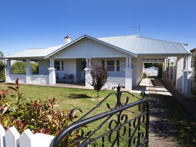THE WHITE HOUSE the best accommodation on offer in Penola