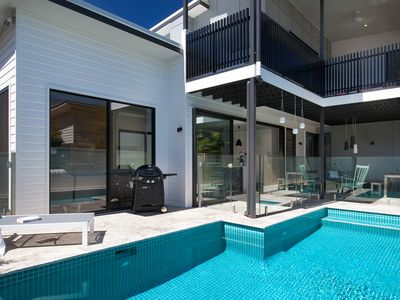 Waterline Beach House - Prestige Holiday Homes