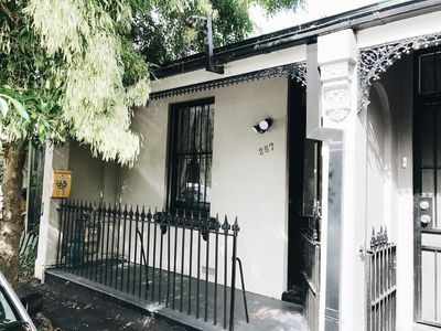 In the heart of Newtown: just off the main road, 2 mins from the train station