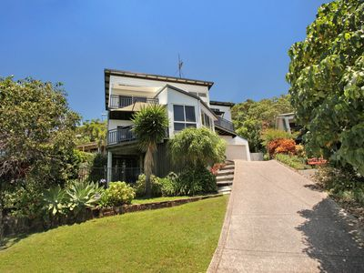 10 Barra Crescent, Coolum Beach, 500 BOND, walking distance to beach