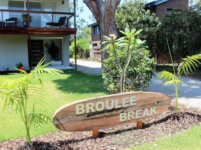 Broulee Break Sign
