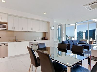 Adelaide city accommodation from australia 39 s 1 stayz for 165 north terrace adelaide