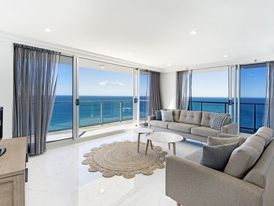 Lounge dining with ocean views from all aspects of the apartment