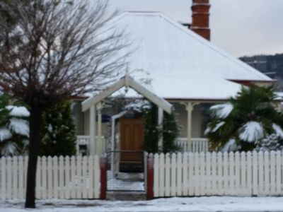 Tenterfield Cottage in the snow