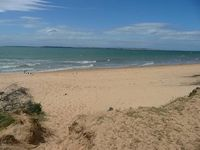 Cowes front beach 400m from property