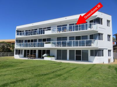 OCEAN SHORES 16 - 50 METRES TO BEACH & POOL IN COMPLEX