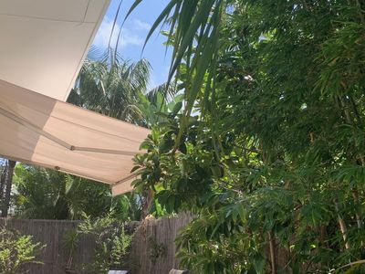 Sunny private modern villa, fully self contained, relax