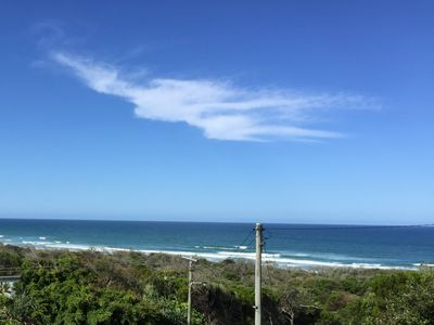 AWESOME VIEW - DESIGNER APARTMENT - WALK TO BEACH