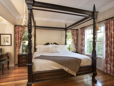 Four Poster Luxury