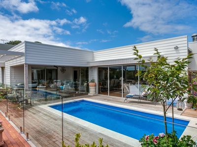 Luxury Moonah Links Sanctuary with Sparkling Pool