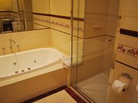 Kelly House - Room 1 Ensuite with spa
