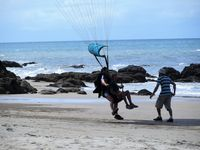 Tandem para jumping can land at Ella Bay