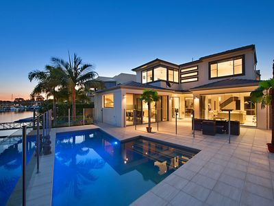 Contemporary, Idyllic & Commanding Harbour Views