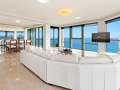 Elegant SURFERS PARADISE LUXURY APARTMENT   OCEAN FRONT
