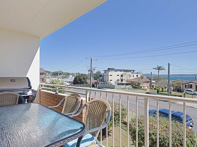 4 'Yarramundi' 47 Magnus Street - air conditioned unit with water views
