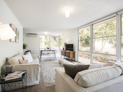 Twiggy @ Anglesea - renovated 1960's gem
