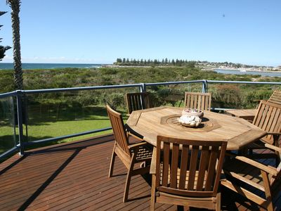 Breakwater 1 - Beachfront apartment in town - great views & safe swimming areas