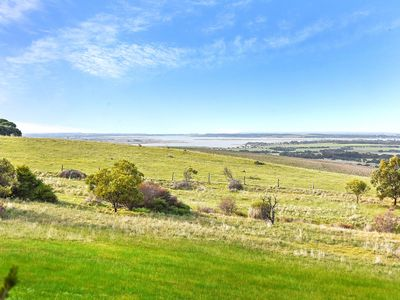 Gum Tree Lodge - Panoramic Views Across Goolwa, the Lakes and Rural Vistas