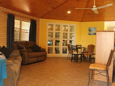 Dining/Lounge - TV, DVD, Book library, Dvd library, Ceiling fan, Recliners