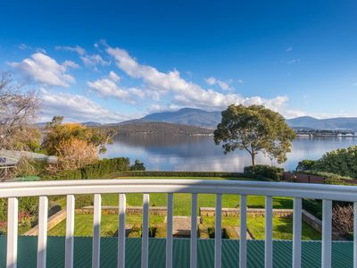 Derwent River Villa - Balcony Views