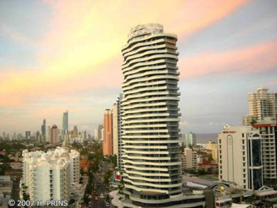 The Wave Broadbeach - great ocean views from high floors