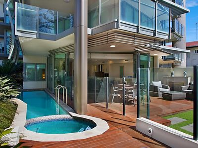 Kirra Wave 102 - Luxury Beachfront - Min. 3 night stays