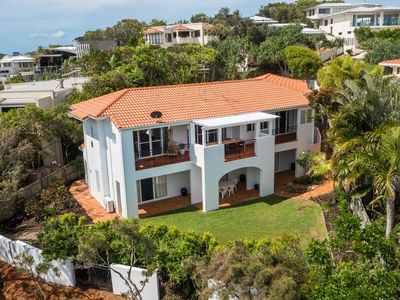 Large 4 bedroom house in exclusive north pocket of Sunshine Beach - VIEWS