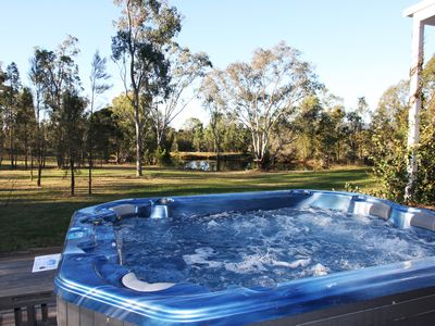 Large relaxing spa that can be hot or cold