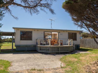 32 Tolley Avenue, Surf Beach