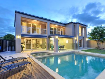Managed by Coastal Holiday Rentals, Surfers Paradise- book direct and save