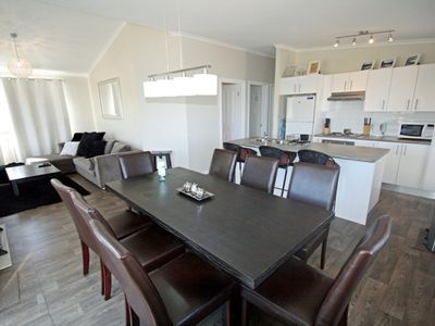 St Helenas - Modern Jindabyne Holiday Home