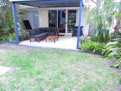 Backgarden with Outdoor Seating & BBQ