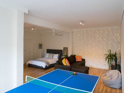 4K TV, Xbox, Games, dvd's, Queen bed, Table Tennis, foldout bed, bathroom +more
