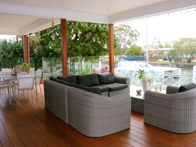 Alfresco Deck Overlooking the waterfront