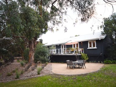 Bundaleer - Retreat with Tennis Court, Pavilion and Native gardens