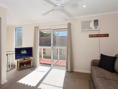 2 'Hibiscus Court' 9 Government Road - fantastic air conditioned 3 bedroom unit