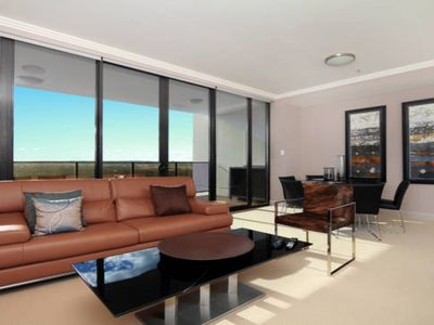 Australia Towers Floor 9 Unit 9.03 - 3 Bedrooms with Showground and V8 Race vi